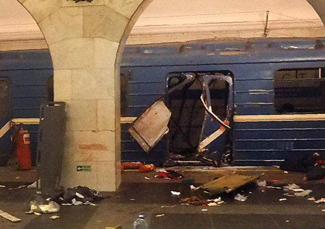 俄侦查委员会:圣彼得堡地铁列车司机不停车的决定是正确的