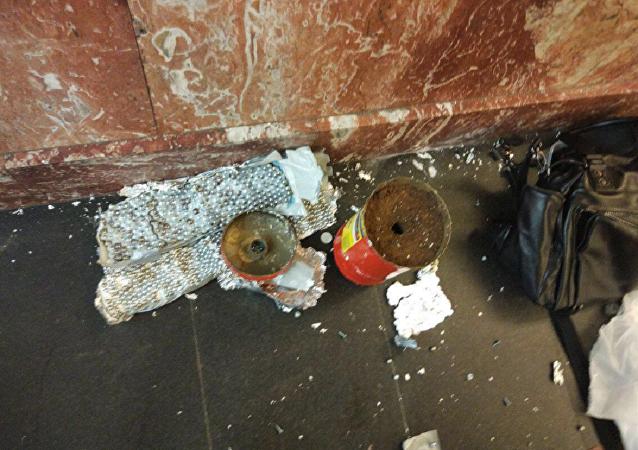 """俄国家反恐委员会:一枚自制炸弹在圣彼得堡""""起义广场""""地铁站被排雷"""