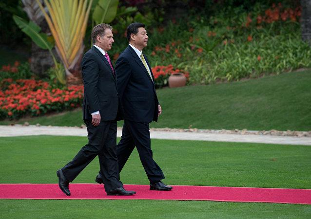 中国国家主席习近平与芬兰总统尼尼斯托彼(图片资料)