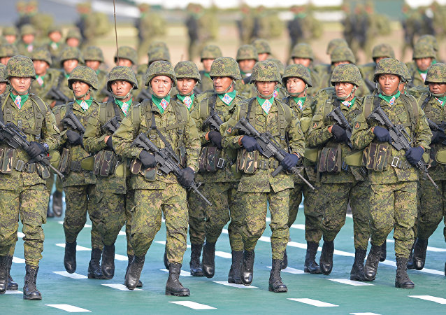 媒体:菲律宾总统下令在南海争议岛屿部署军队