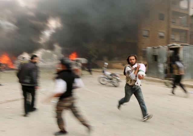 敘利亞伊德里卜發生汽車炸彈爆炸,導致數十人傷亡。
