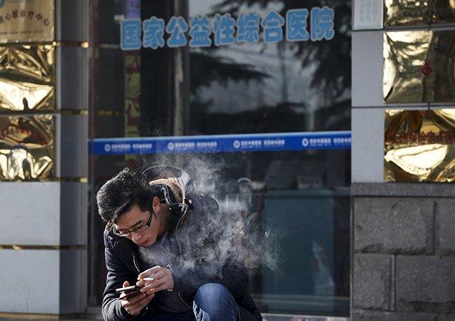 調查:中國智能手機市場近十年來首現萎縮