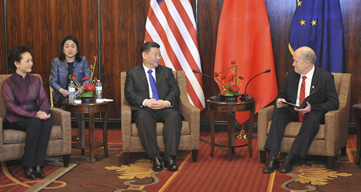 阿拉斯加州州长比尔·沃克与中国国家主席习近平