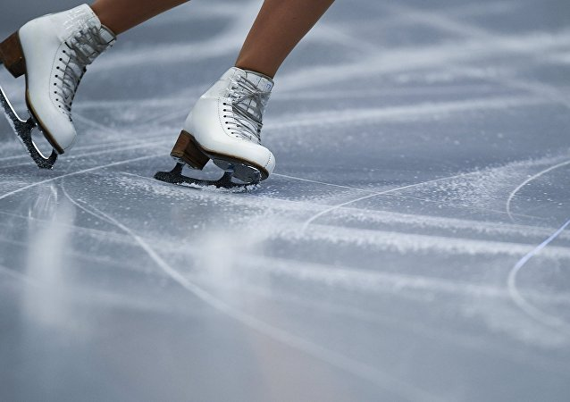 俄罗斯天堂队获得花样滑冰队列滑世锦赛冠军
