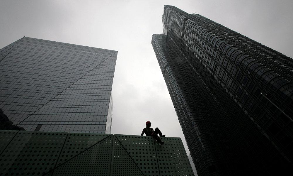 中国加入世贸后,世界得到的信号是,北京准备成为全球经济舞台上的全身份玩家。