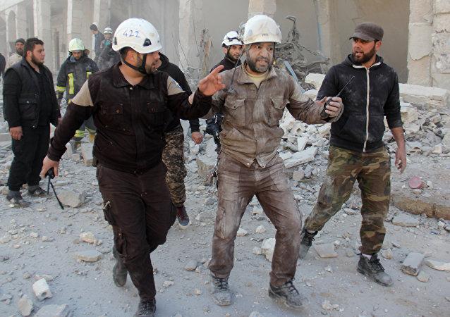 俄国防部:白头盔计划为外媒拍摄一段叙利亚化武袭击片段