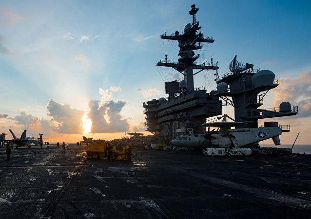 美国国务卿蒂勒森表示,将美国海军飞行队驻地变更到朝鲜半岛附近调派属于例行调派