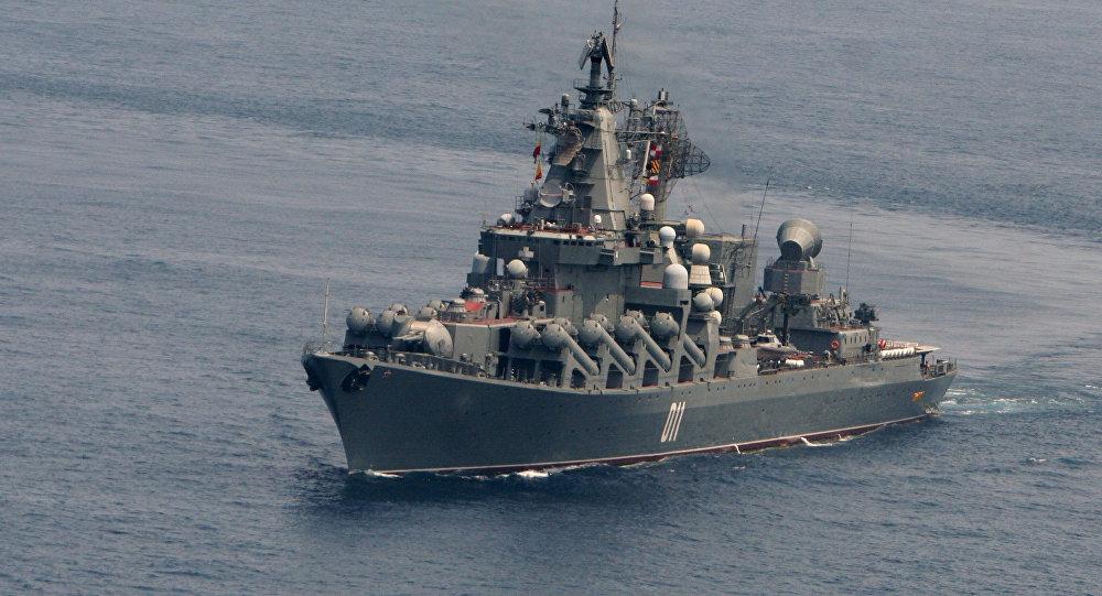 """""""瓦良格""""导弹巡洋舰"""