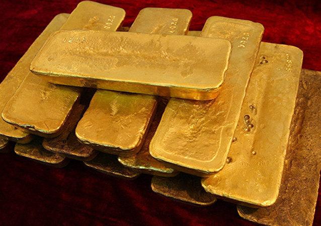 孟买机场因试图走私7千克黄金扣押2名外国公民
