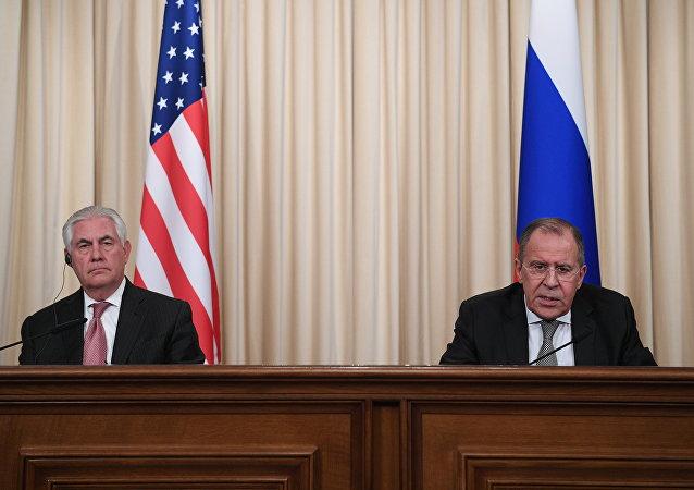 美国务卿蒂勒森与俄外长拉夫罗夫