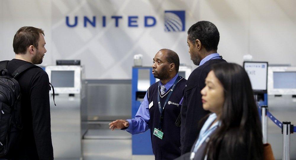 美国一家庭指责美联航飞机延误导致其宠物死亡