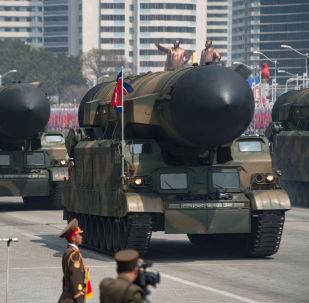 朝鲜可能拥有10至20枚核弹头及可制造60枚弹头的核材料