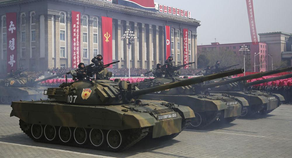 Военный парад, посвященный 105-летию со дня рождения Ким Ир Сена в Пхеньяне, Северная Корея