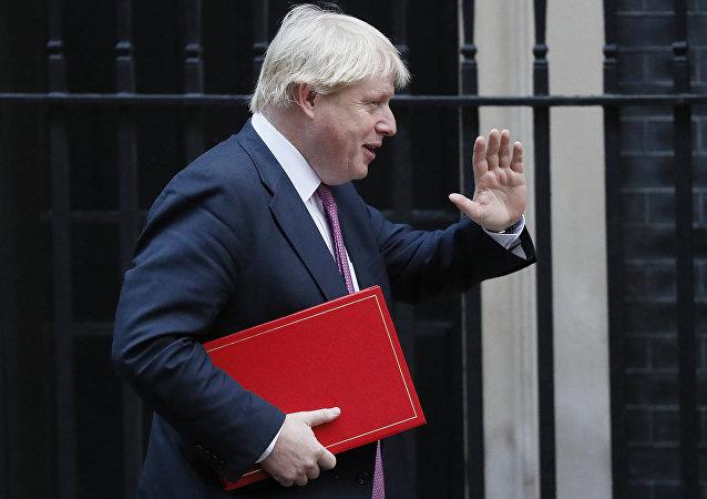 英国外交大臣建议俄罗斯加入国际反恐联盟打击伊斯兰国