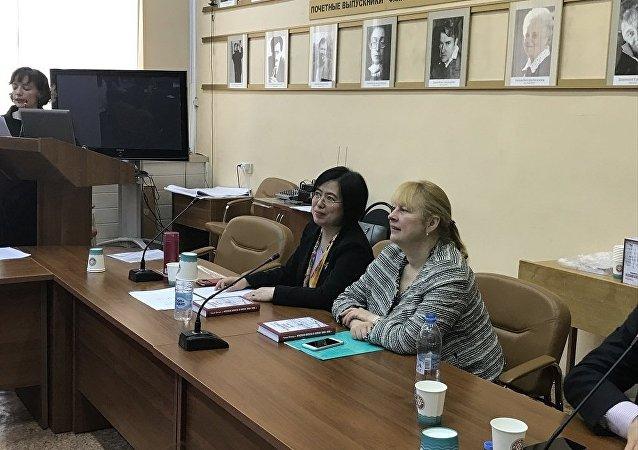 赵永华与叶莲娜·瓦尔塔诺娃