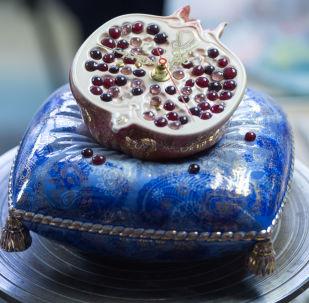 俄羅斯 格熱利 藍白繪花陶瓷的生產