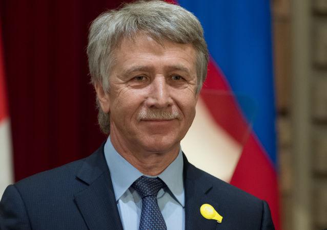 福布斯:米赫尔松连续两年蝉联俄首富商人