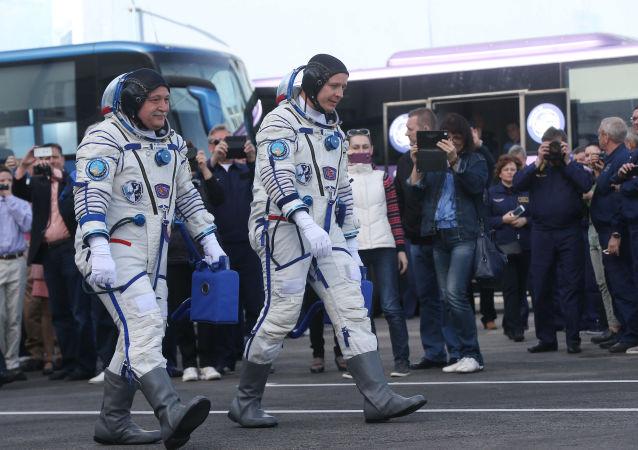 美国和俄罗斯宇航员(资料图片)