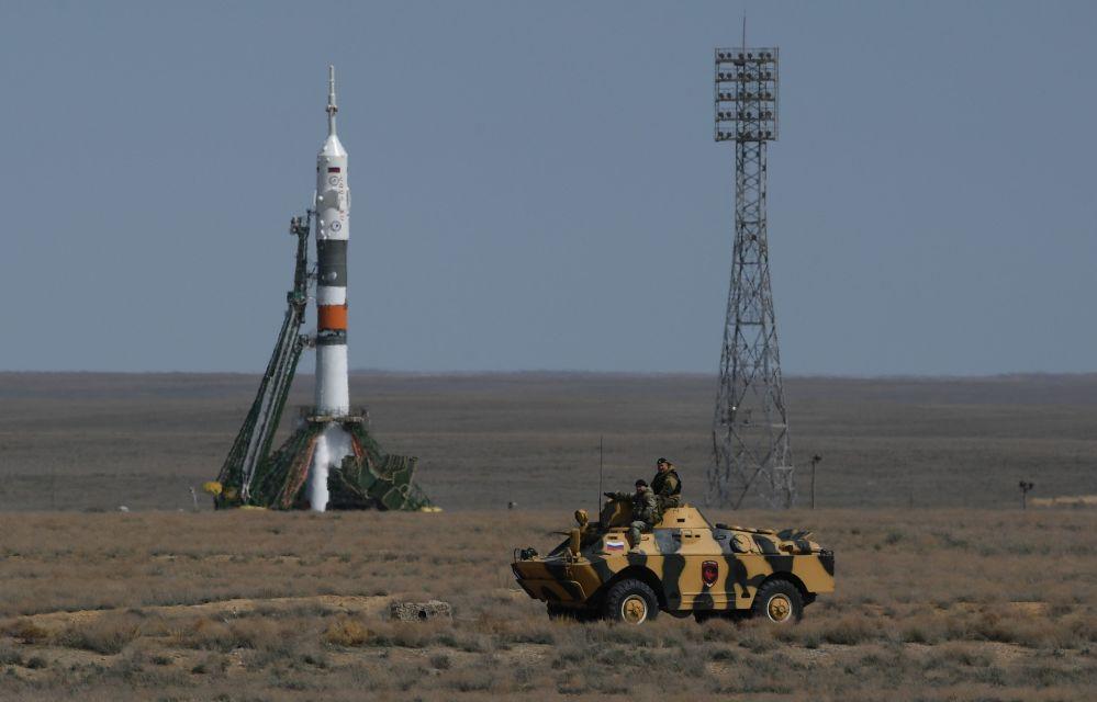 """搭载""""联盟MS-04""""人造卫星的""""联盟-FG""""运载火箭从拜科努尔发射场升空"""
