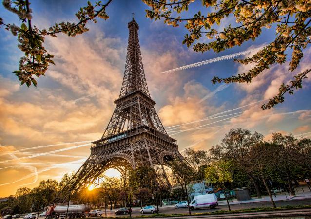 警方谨防可能出现的巴黎市中心骚乱