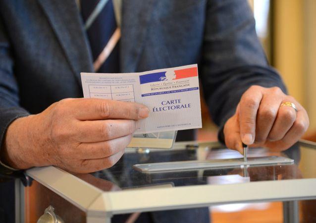 法国大部分省份支持勒庞 马克隆总票数领先