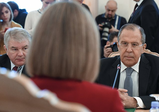 俄罗斯与欧盟外长在莫斯科举行会谈