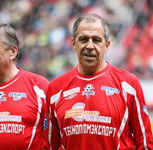 俄外長:思考足球有助於艱難談判中冷靜下來