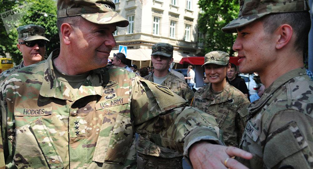 美国批准向乌克兰供应轻武器的商业许可证