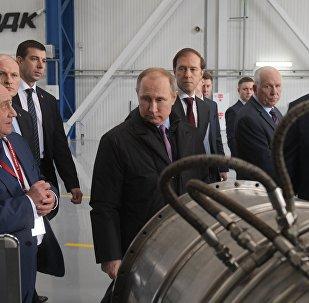 普京:2025年前制造俄军备所用零配件85%将为国产