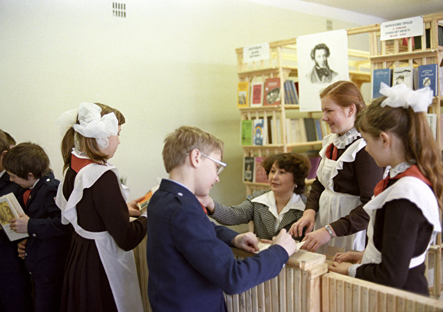 苏联时期的学校图书馆