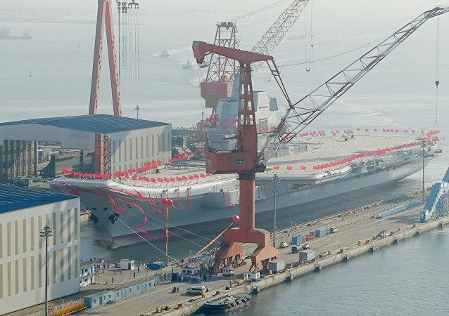 4月26日,中国人民解放军海军001A项目第二艘航母下水