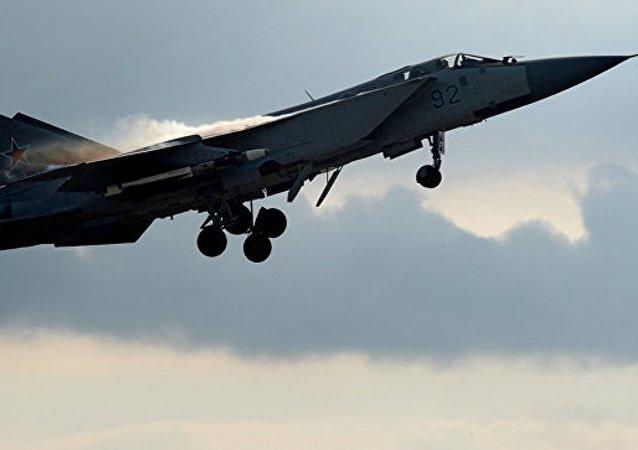 俄军米格-31在布里亚特坠毁 飞行员弹射逃生