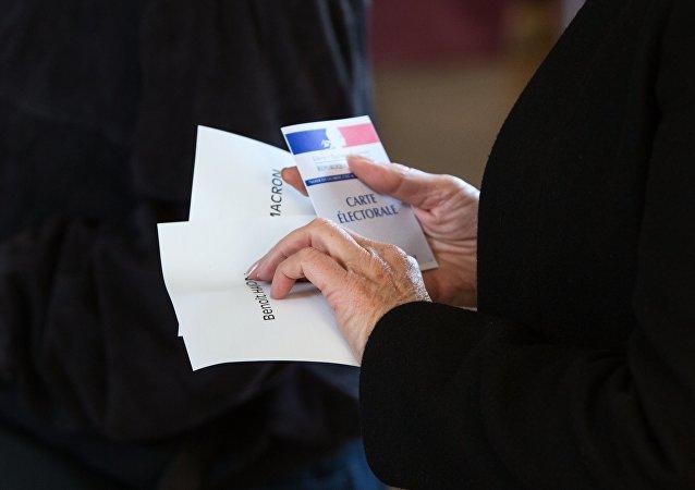 法国总统大选第二轮投票率为65.30%,低于第一轮