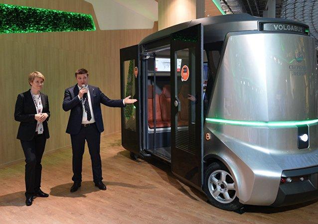 俄罗斯首个无人驾驶巴士Matryoshka