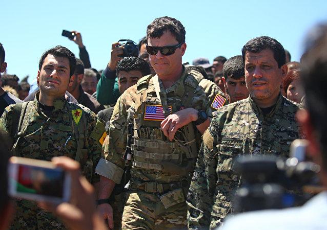 美国军人在叙利亚