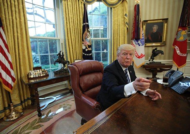 """特朗普在朝鲜及伊朗问题会议后称是""""暴风雨来临前的平静"""""""