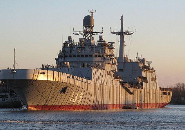 """11711型大型登陆舰""""伊万•格连"""""""