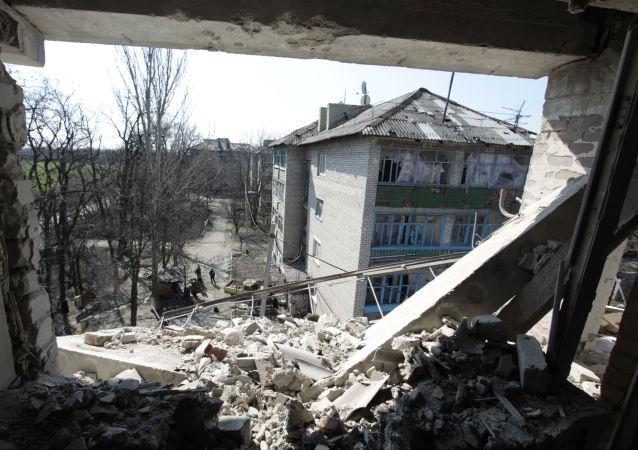 乌军顿巴斯一天内20多次违反停火协议