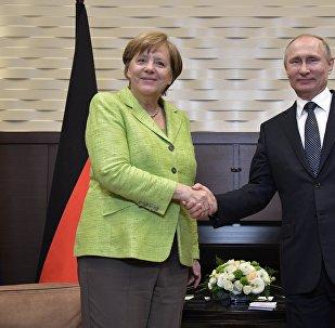 德國總理默克爾表示,她與俄羅斯總統普京的會談內容充實,俄羅斯是個有建設性的夥伴國。