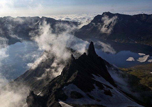 瓦努阿图政府因火山活动下令疏散安巴岛全体居民
