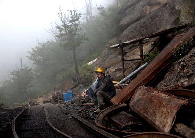 媒体:伊朗煤矿爆炸遇难人数升至21人