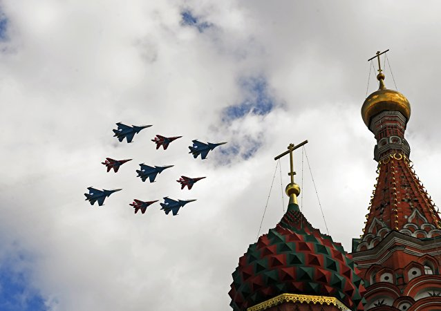 胜利日阅兵空中梯队的彩排(莫斯科)