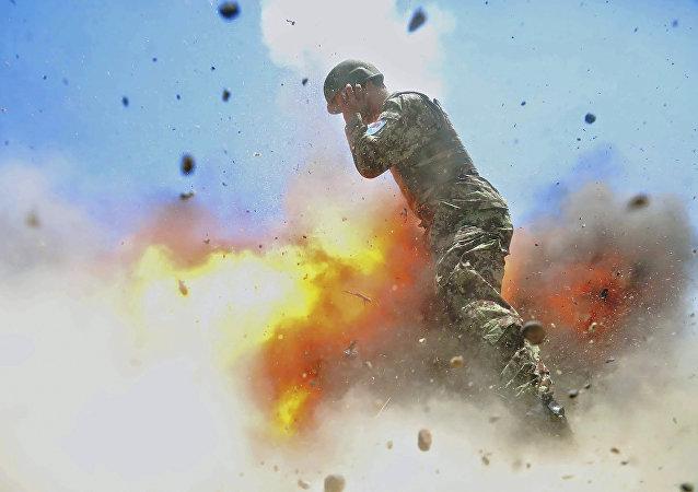 美国军事摄影师拍下死亡前最后一秒爆炸瞬间