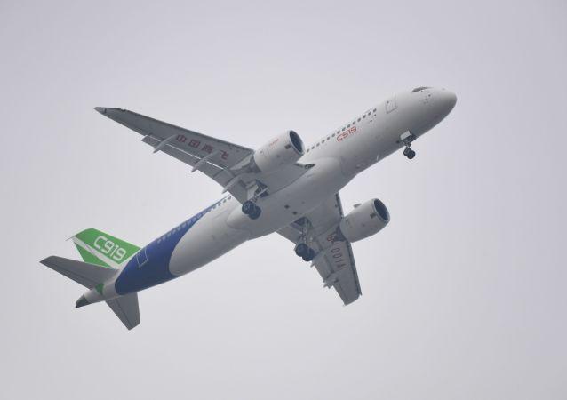 中国C919客机
