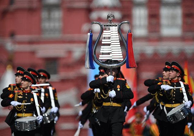 中国国防部:俄罗斯军乐团将受邀参加香港回归20周年庆祝活动