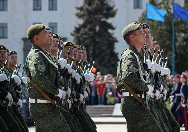 胜利日阅兵总彩排在卢甘斯克人民共和国进行