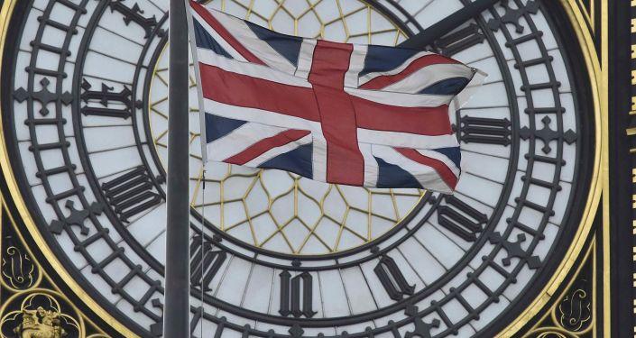 英国警方在希思罗机场拘捕一名涉嫌策划恐袭的女孩