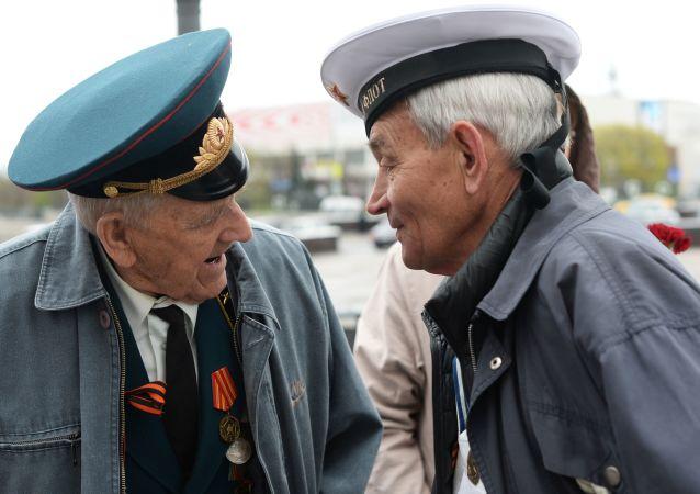 俄老兵赴华向阵亡战友致敬