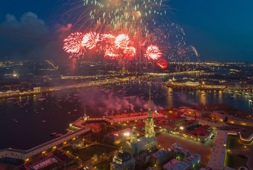 圣彼得堡的胜利日烟花