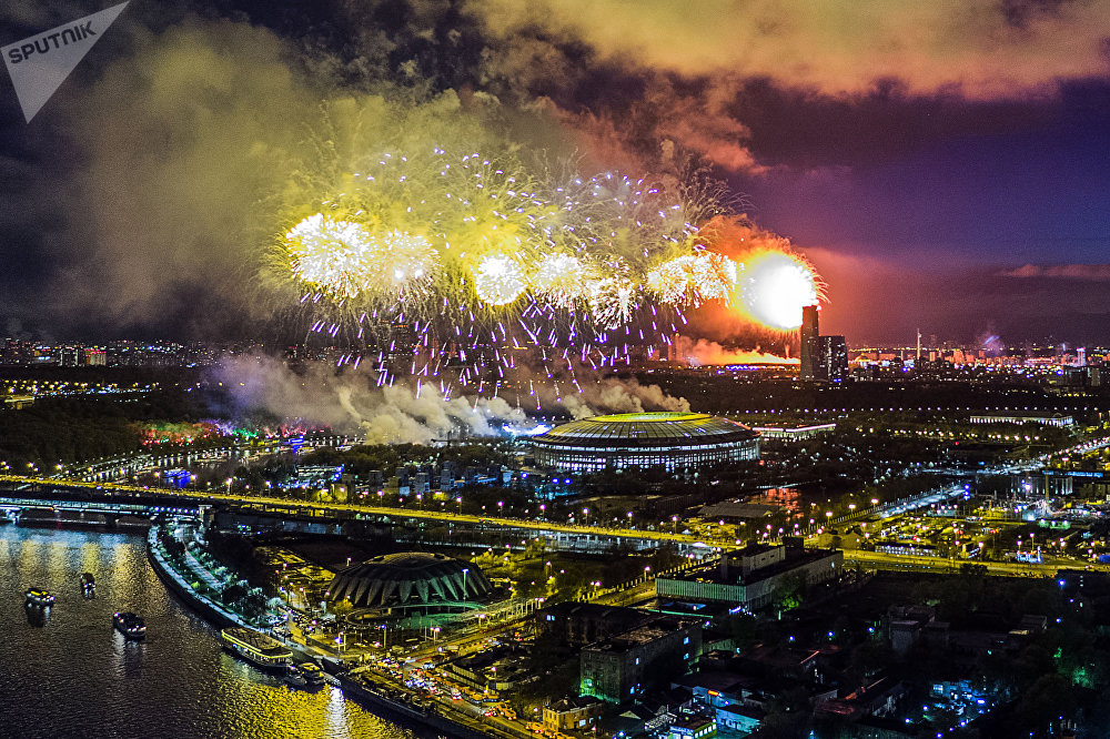莫斯科麻雀山上的胜利日烟花